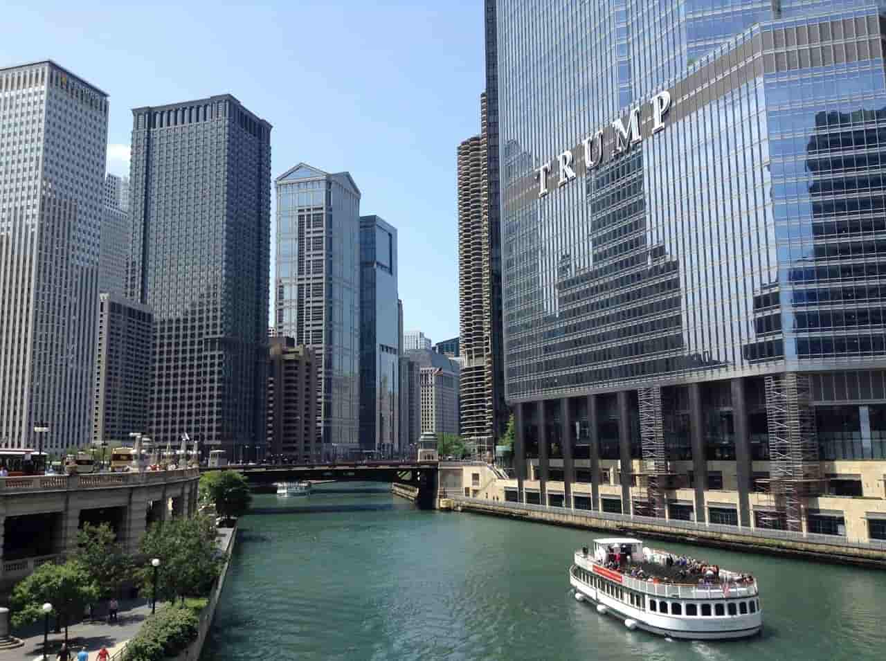 Downtown Chicago - Riverwalk