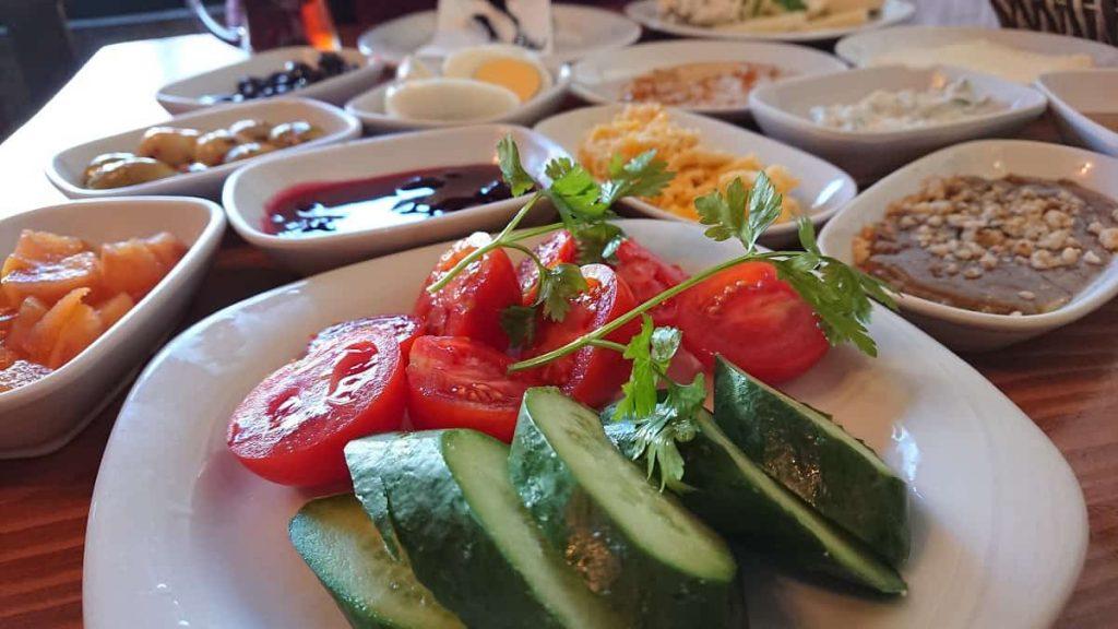 Frukost i Istanbul på Van Kahvaltı Evi