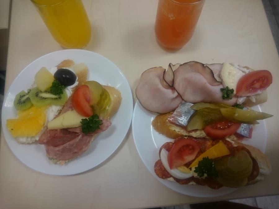 Vår frukost i Tjeckien - Chlebíčky