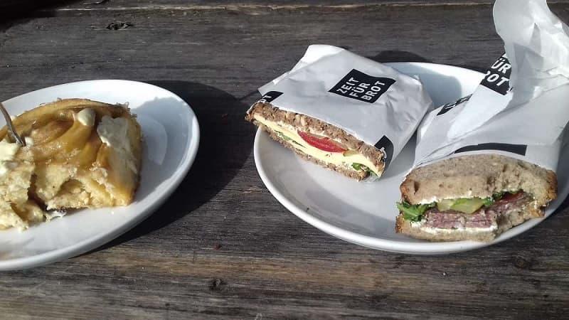 Tysk frukost - Smörgås med ost och salami