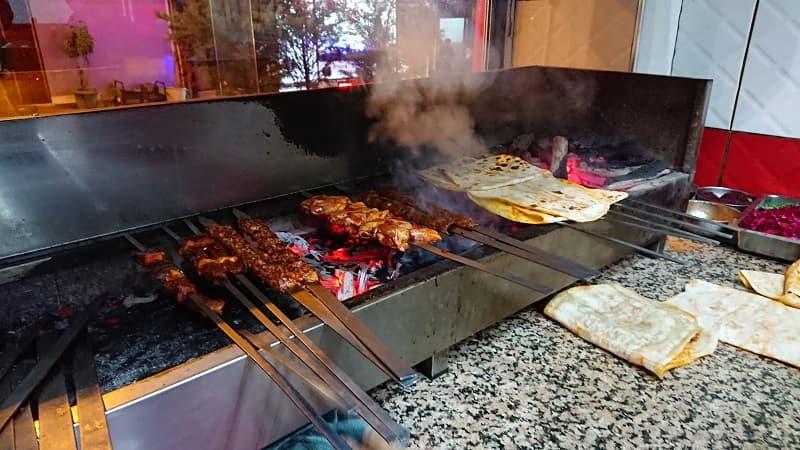 Turkisk mat grillat på spett