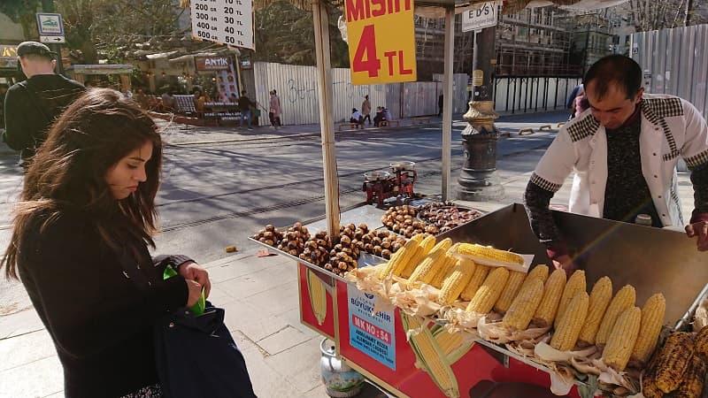 Rostade Kastanjer i Turkiet