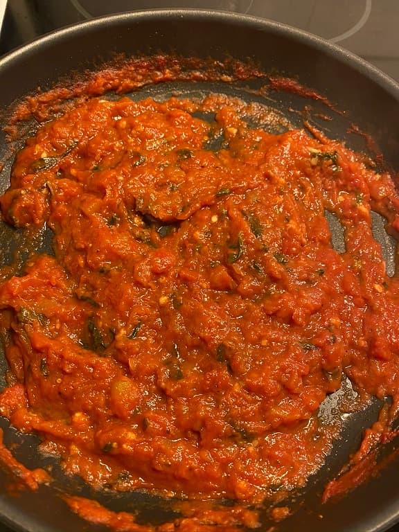 Färdig tomatsås för Deep Dish Pizza Topping